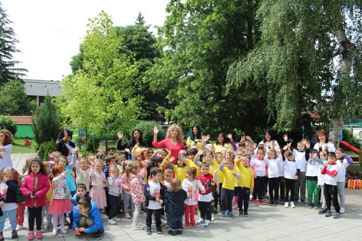 Празнично веселие в детските градини на община Панагюрище